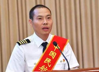"""《时刻准备着》落幕 """"中国机长""""刘传健忆往事"""